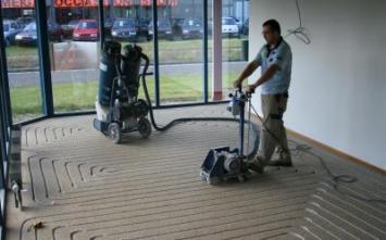 Aanbieding vloertegels - vloerverwarmingsiergriend, Top vloerverwarming freest door siergrind heen.